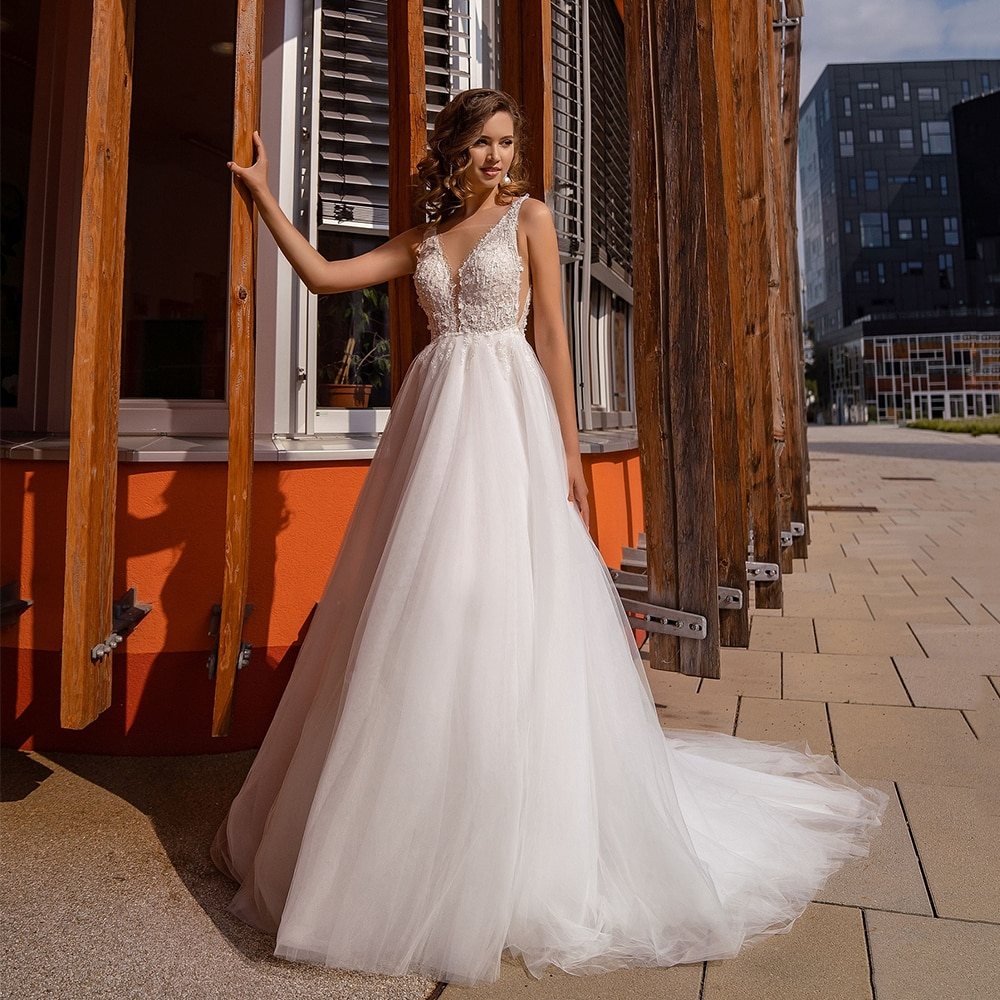 Get Vintage Tulle Thin Straps Wedding Dresses 2021 Long Train With Applique Simple Sleeveless A Line Bridal Gown Civil Robe Mariée