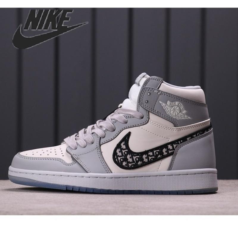 Nouveaut�� Nike Air Jordan 1 Retro Baskets Dior Luxe gris Blanc Noir Femmes Hommes En Cuir Chaussures de Basket-Ball De S
