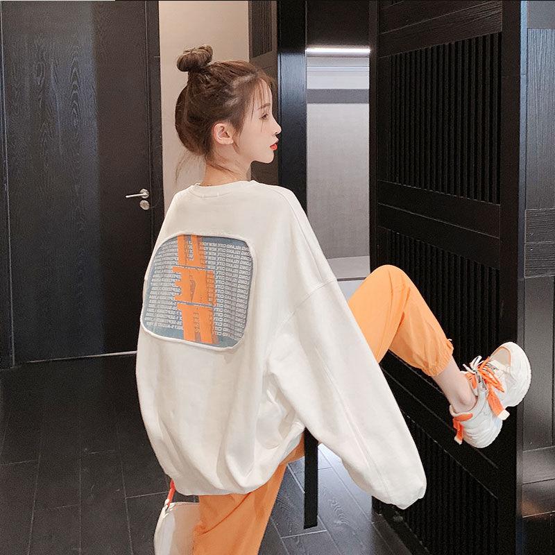 تي شيرت قطن 2021 النسخة الكورية بسيطة فضفاضة الربيع والخريف طباعة طويلة الأكمام