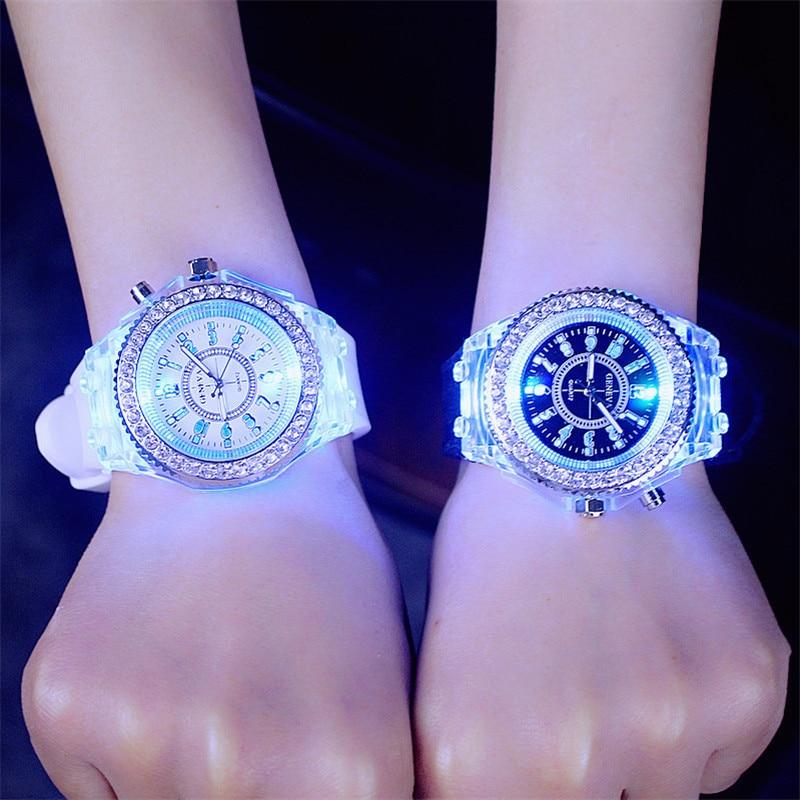 Reloj deportivo luminoso para mujer, esfera de diamante LED, resistente al agua, 30m, brillo colorido con correa de silicona, relojes de cuarzo intermitentes para mujer