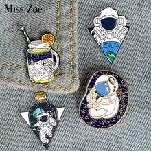 Voyage spatial émail épingle astronautes édition spéciale broches sac vêtements épinglette cosmique espace Badge pour enfants bijoux cadeau