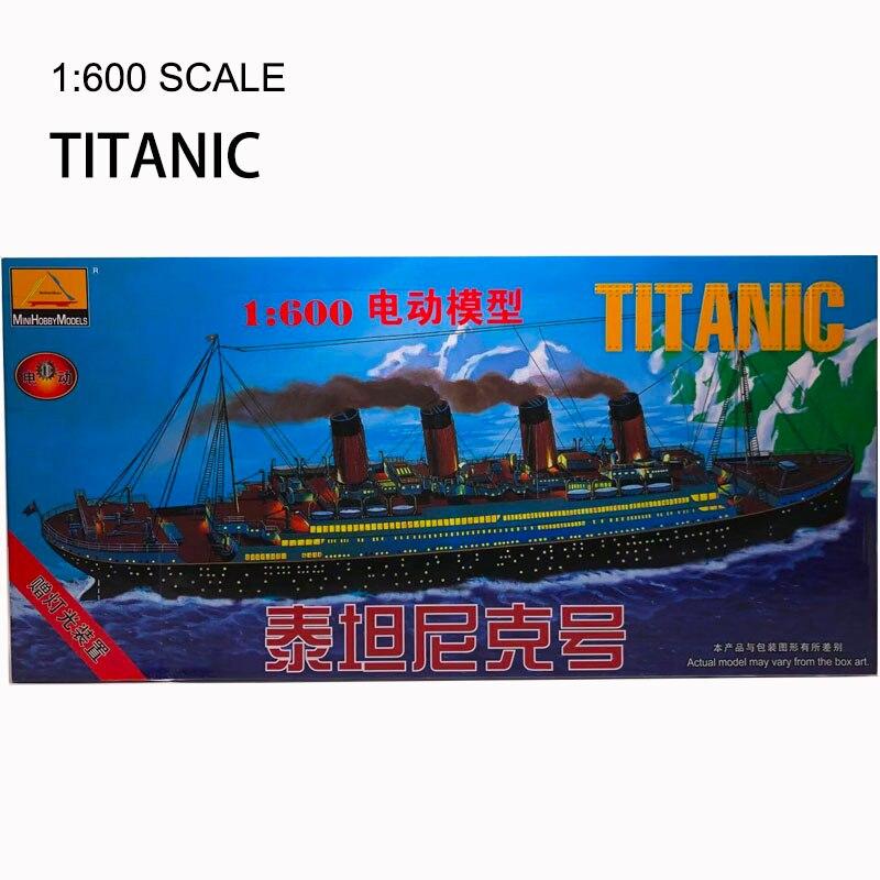 1 600 modelo de Titanic DE LA ASAMBLEA modelo con luz de juguete militar