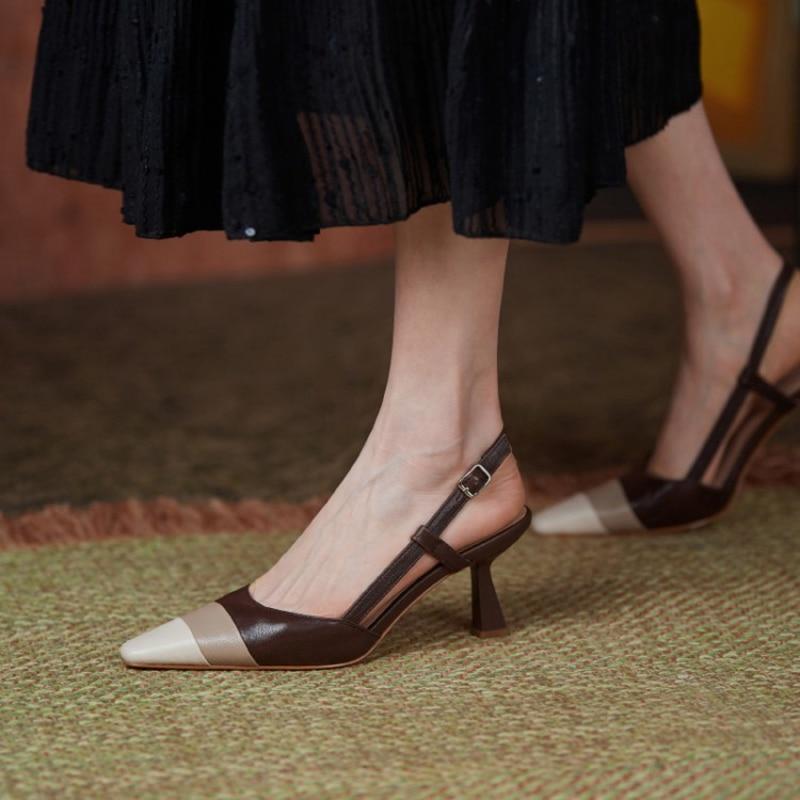 أحذية نسائية صيفية جديدة لعام 2021 بمقدمة مدببة بكعب عالي من الجلد الأصلي صنادل نسائية موضة بألوان مختلطة أنيقة بحزام رفيع بكعب عالي
