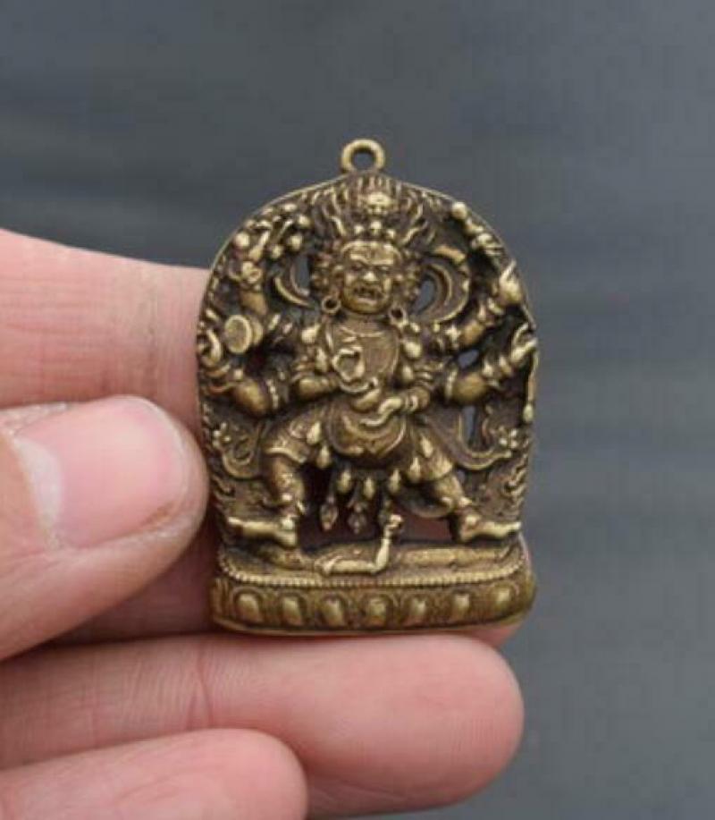 Colgante pequeño amuleto Buda seis brazos latón puro archaize de China
