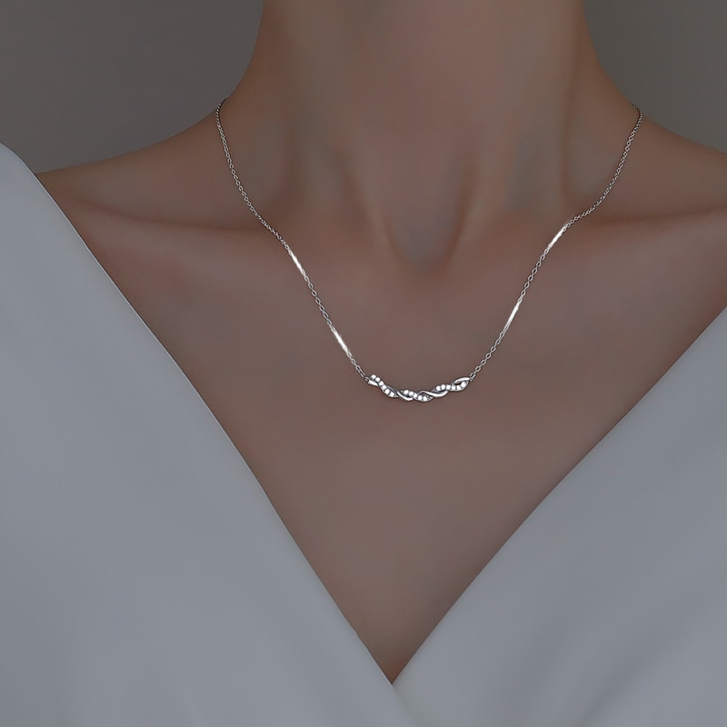 925 Sterling Silver Twist Necklace for Women 2021 New Trendy Cold Clavicle Chain Simple Smile Pendant Ins Necklace