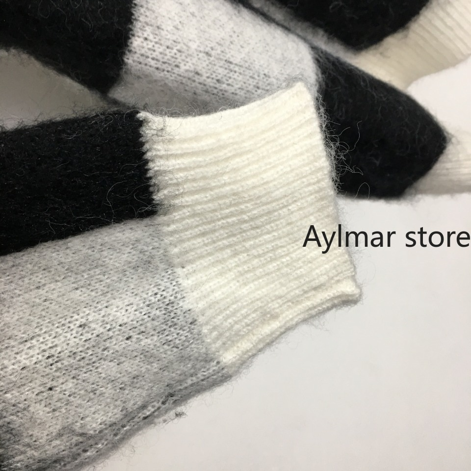 High quality 2021 autumn winter women's contrast checked round neck long sleeve short sweater fashion mohair sweater enlarge