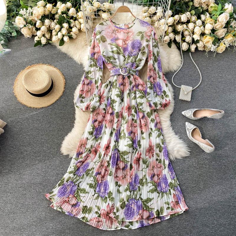 فستان شاطئ شيفون بطيات ، عتيق ، أنيق ، ياقة دائرية ، ماكسي مع حزام ، مجموعة ربيع وخريف 2021