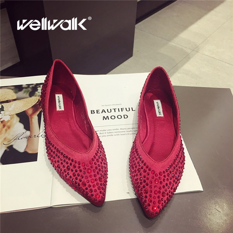 Czerwony stras płaskie buty kobiety moda mokasyny szpiczasty nosek sukienka jedwabne mieszkania baletowe kobiece kryształowe wesele buty kobieta