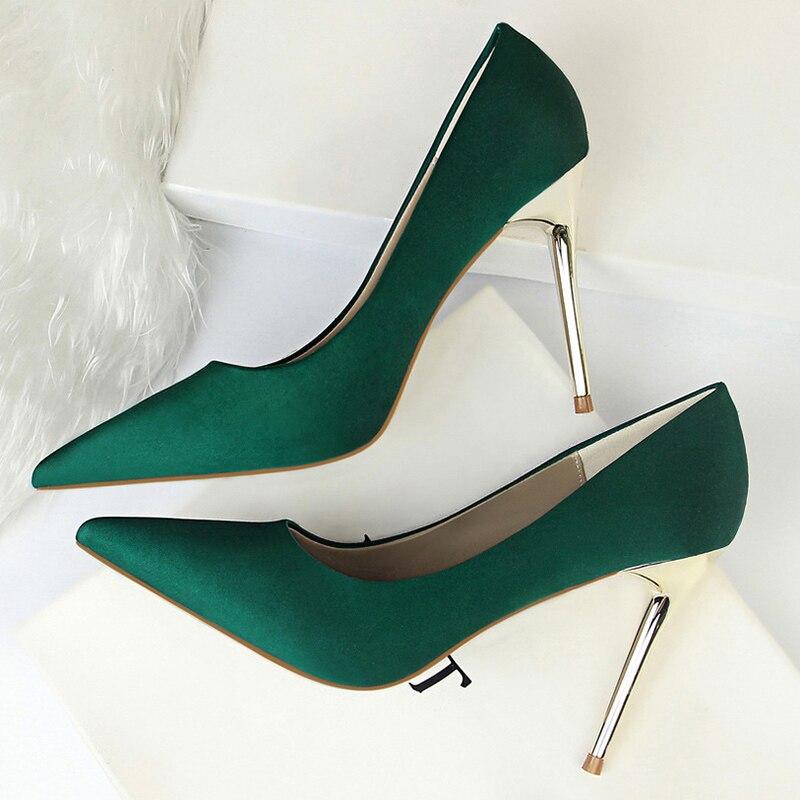 2020 Plus Size 43 Women 10cm High Heels Lady Sexy Scarpins Satin Fetish Pumps Classic Stiletto Wedding Bridal Yellow Silk Shoes