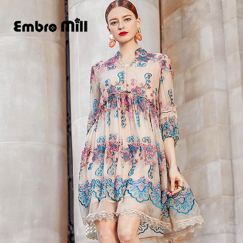 Primavera nuevo vestido de seda femenino estilo playa cuello pico bordado de alta gama de manga de cinco puntos vestido elegante M-2XL