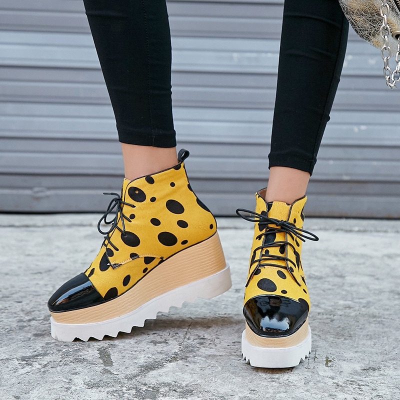 Sapatos de cunha mulher cavalo botas de couro tornozelo amarelo branco casual vestido plataforma tornozelo botas botas mujer feminino outono sapato