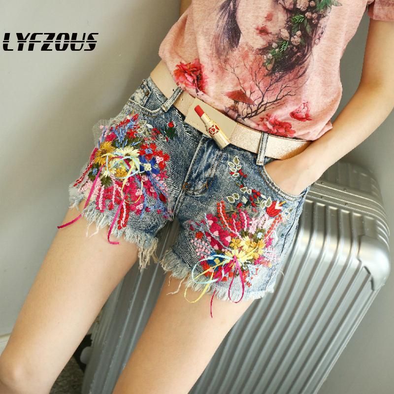 Women Shorts Jeans Shorts Summer Slim Hot All-match Embroidered Flower Denim Shorts Woman Streetwear Plus Size Shorts Pockets