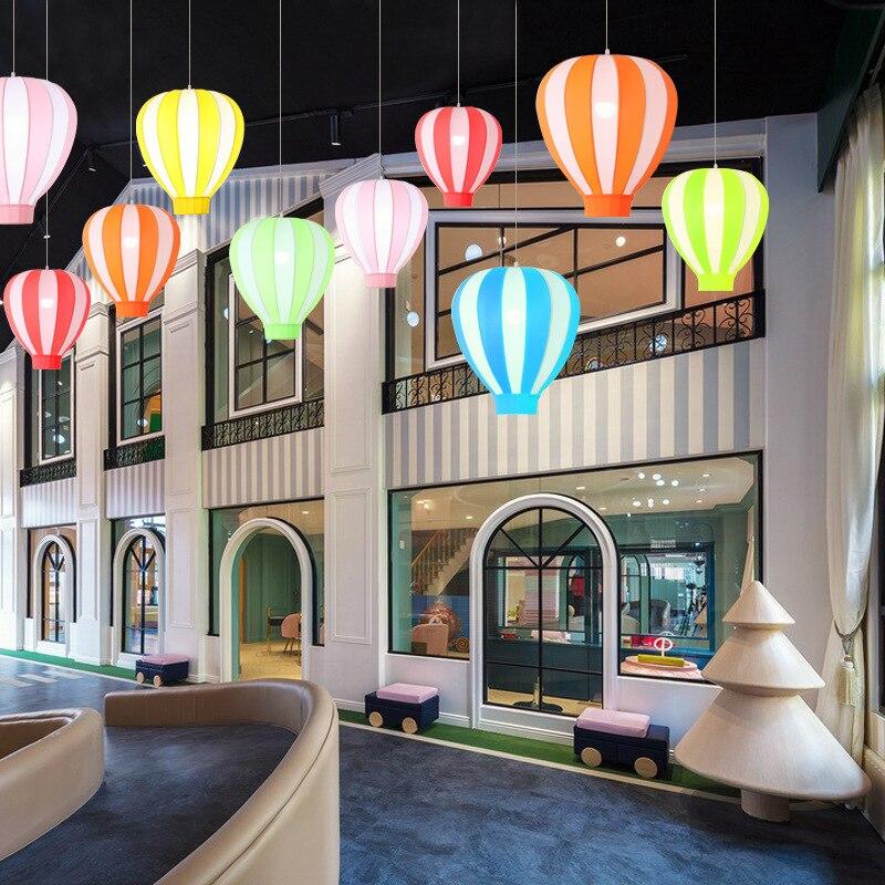 الحديثة LED بسيطة الملونة قلادة أضواء غرفة الأطفال بالون الأم متجر الملابس رياض الأطفال مصابيح معلقة الإبداعية