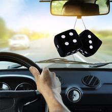 1 par fuzzy dice pontos brancos espelho retrovisor cabides vintage pingente de carro decoração interior acessórios automóveis 6 cor