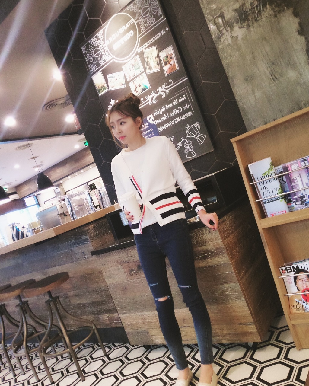 2021 spring and autumn new red, white and blue four-bar color striped v-neck cardigan all-match casual jacket trend enlarge