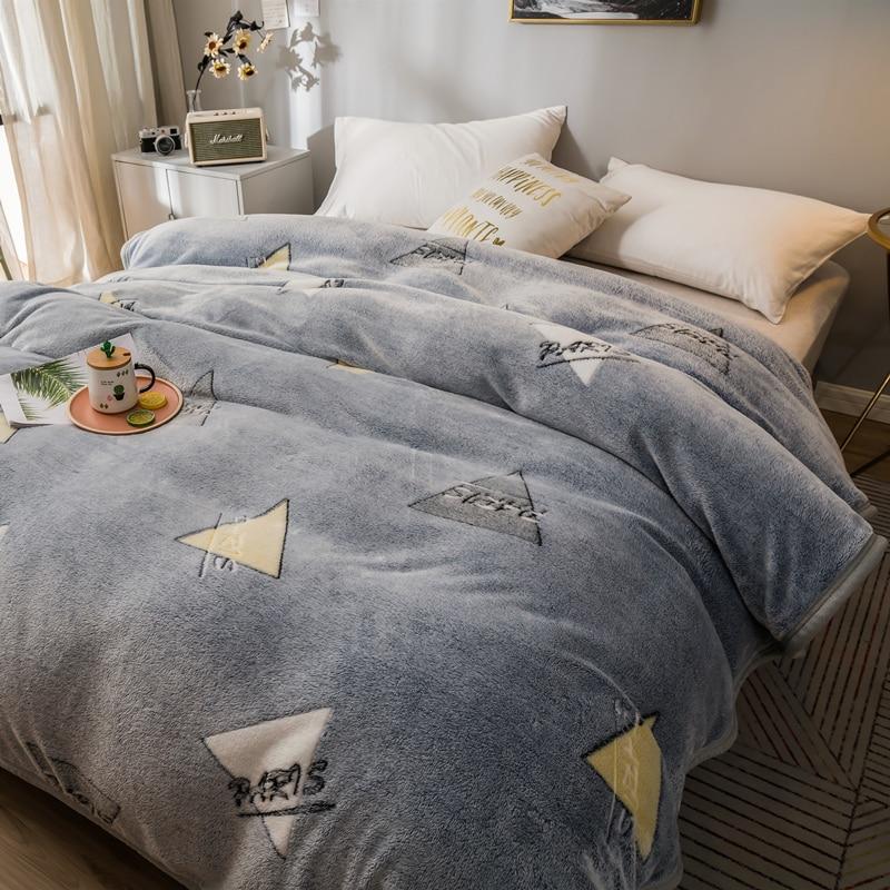 Manta de franela de Color gris, forro polar de Coral, supersuave, cubierta de sofá a cuadros, sábanas cálidas de invierno, mantas de piel sintética de fácil lavado