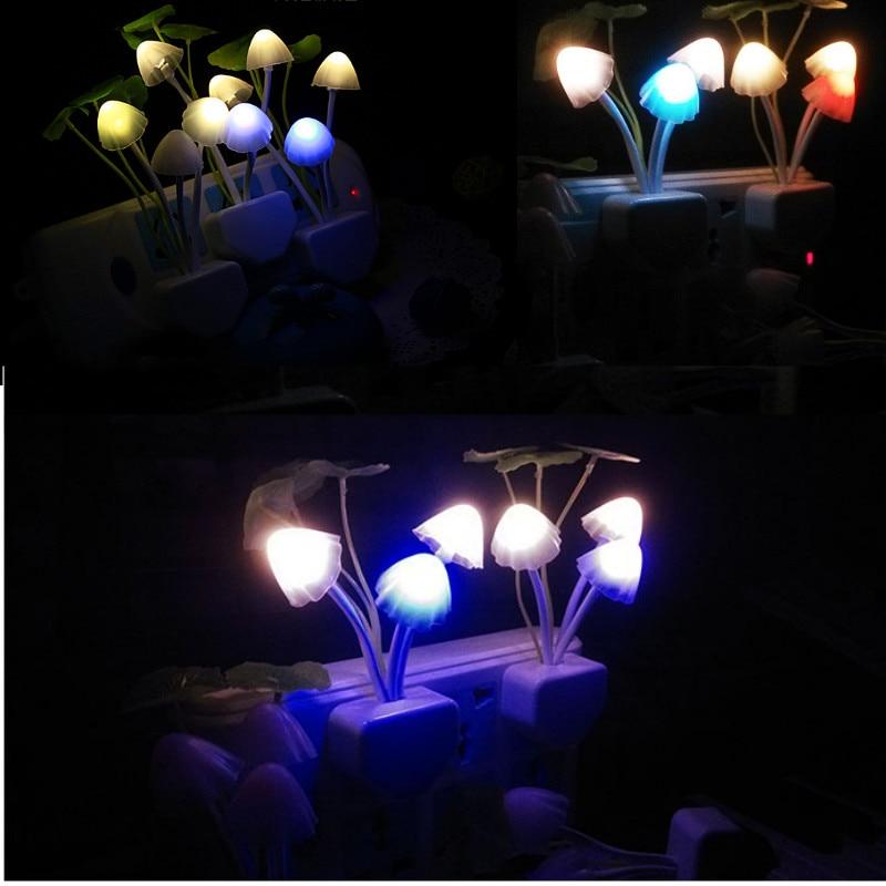 Novedad hongo luz nocturna enchufe UE Estados Unidos enchufe la luz Sensor AC 220V 3 LED lámpara de setas de colores luces de noche Led
