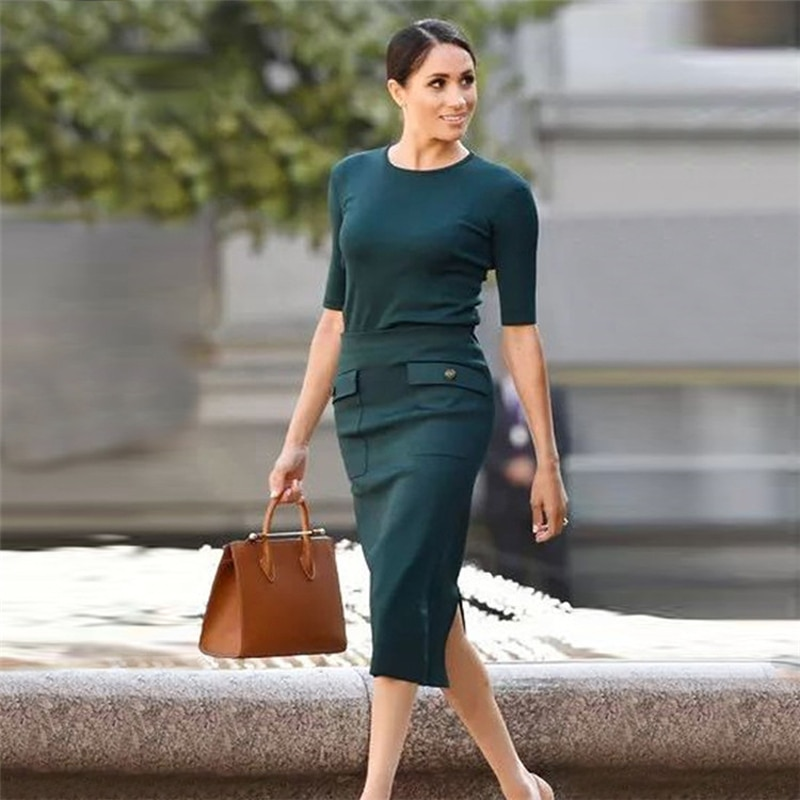 High Quality Runway Meghan Markle Knitted Stretch Slim Short Sleeve Top Split Split Skirt Elegant Temperament Two Piece Set