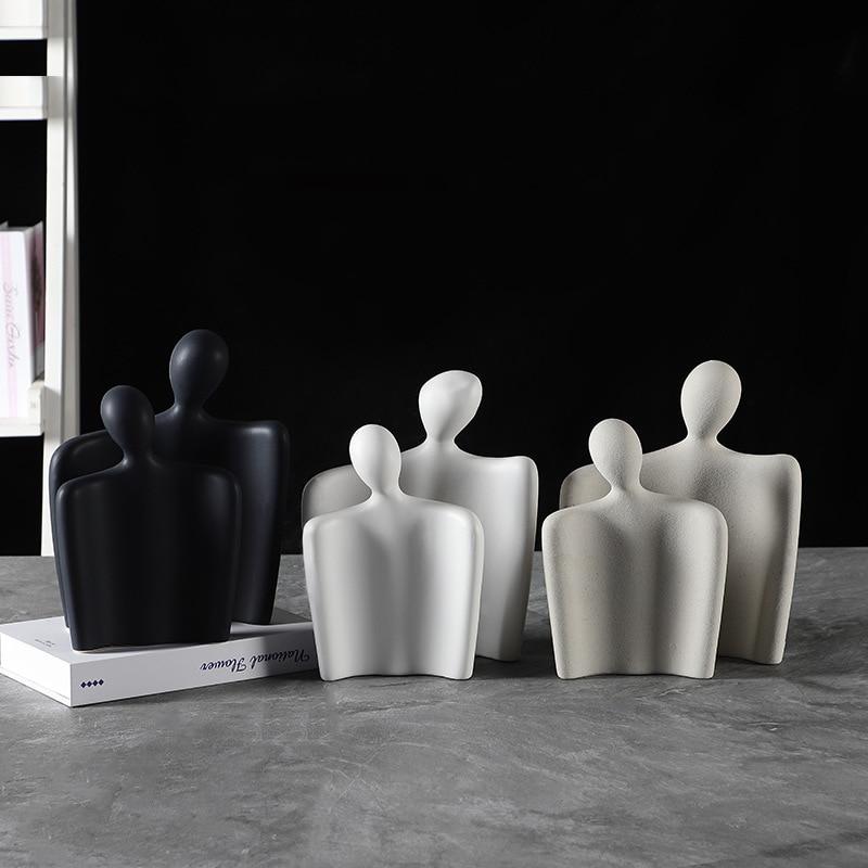 Scandinavian Design Hug Couple Ornaments Men Girl Gift Matt Ceramic Craft Modern Desk Decoration Light Luxury Wedding Decor