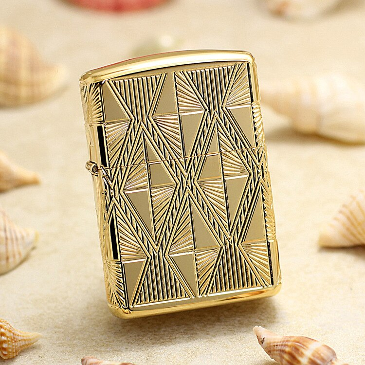 Encendedor de aceite genuino Zippo luxuriú Armadura dorada patrones de diamantes encendedor de keroseno con código anti-falsificación 29671