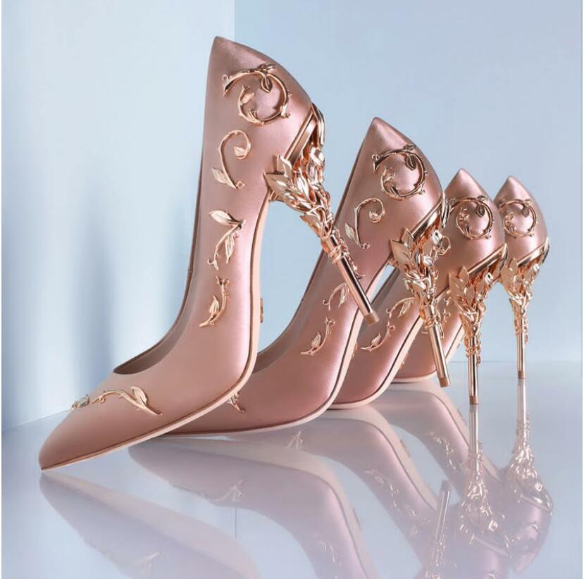 فاخر النساء أحذية بيضاء بوانت أحذية زهرة كعب أحذية الزفاف النساء أنيقة الحرير العلامة التجارية تصميم كعب أحذية السيدات عالية الكعب