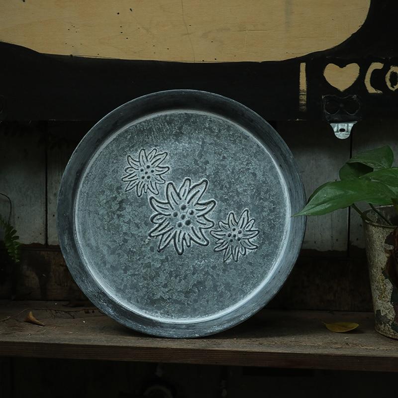 النمط الأوروبي الرجعية لوحة معدنية اليدوية الجولة تزوير الرجعية تخزين صينية الخبز ديكور المنزل الكنيسة حديقة مطعم