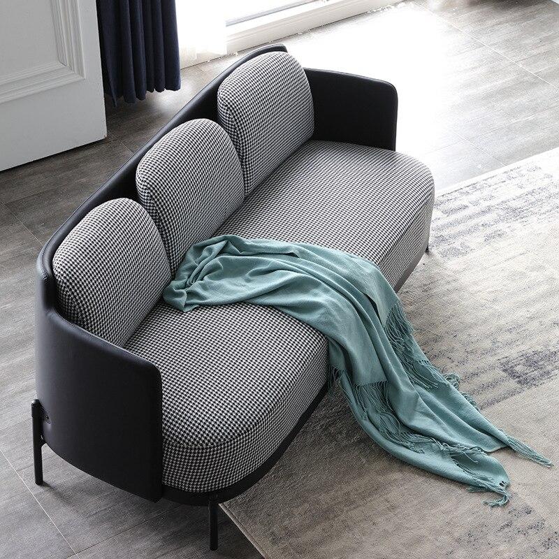 الايطالية الحد الأدنى أريكة بسيطة الإبداعية الأجهزة ثلاثة مقاعد أريكة لغرفة المعيشة فندق اللوبي أريكة قماش