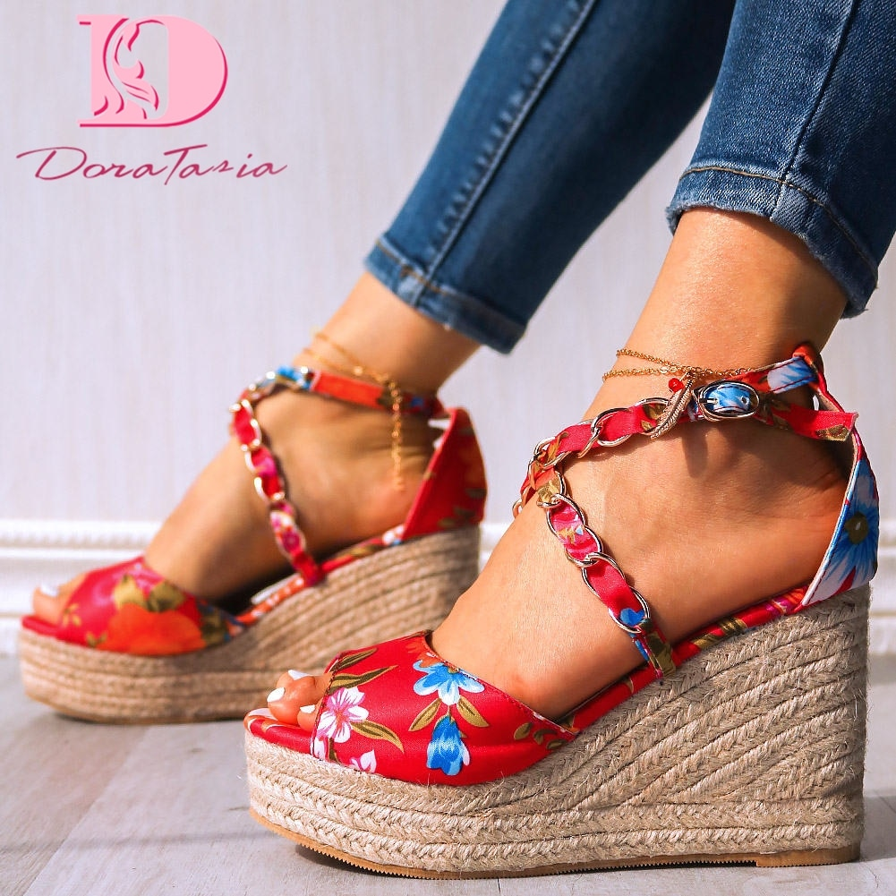 ¡Venta al por mayor! Sandalias de verano Doratasia 2020 de alta calidad, zapatos de tacón alto con plataforma estampada para mujer, zapatos de fiesta para mujer