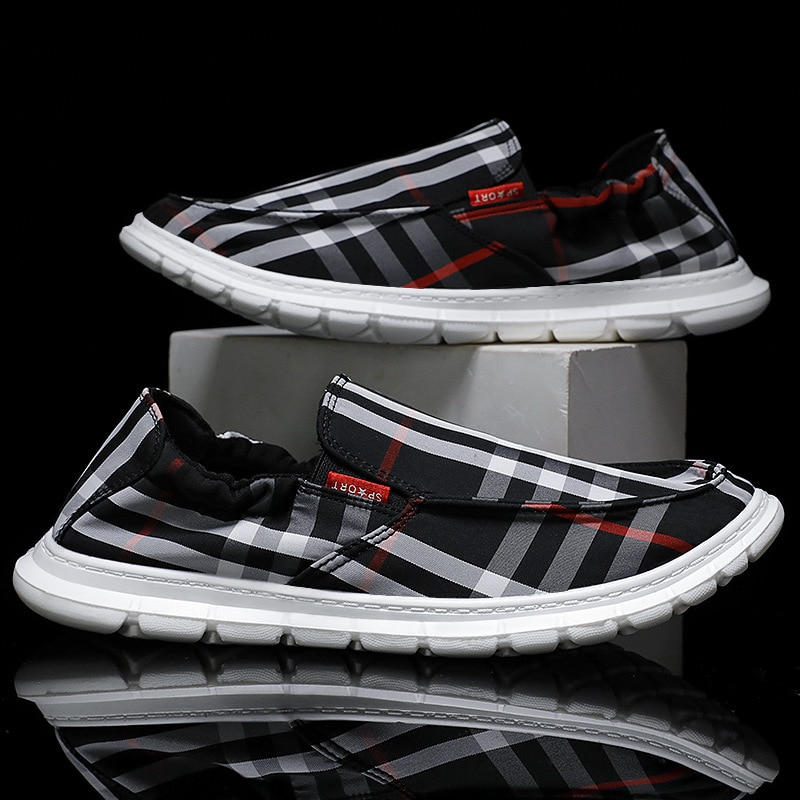 Fashion Cloth Shoes Men's Breathable Lazy Shoes Soft Soles One Pedal Strap Running Shoes Fashion Casual Shoes Men's Bean Shoes.