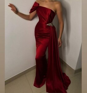 Elegant Long Burgundy Mermaid Evening Dresses Pleated Zipper Back One Shoulder Taffeta Abendkleid Robes de Soirée for Women