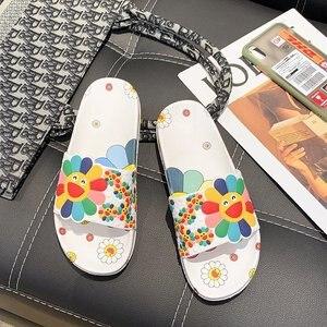 New Summer Women Sandals Designer Cartoon Print Slippers Girls Casual Beach Lovely Flower Flip Flop Outdoor Thick Heels Slippers