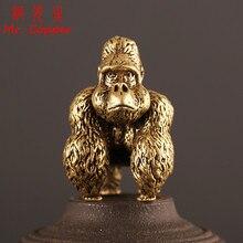 Bronze gorila estátua escritório ornamento de mesa em miniatura cobre macaco estatueta chaveiro anel pingente decoração para casa crianças presente brinquedo