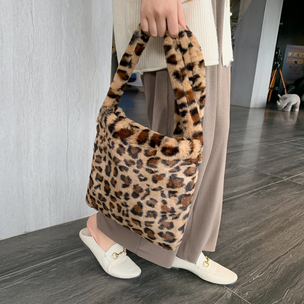 Leopard Plush Shoulder Bags For Women New Autumn Winter Large Capacity Messenger Bag HOT Sell  Ladies Vintage Handbags Women