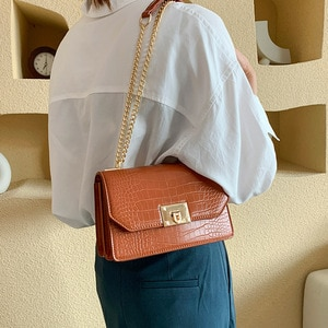 women's bag spring 2021new trend simple and versatile high-end texture small square bag solid color chain shoulder messenger bag