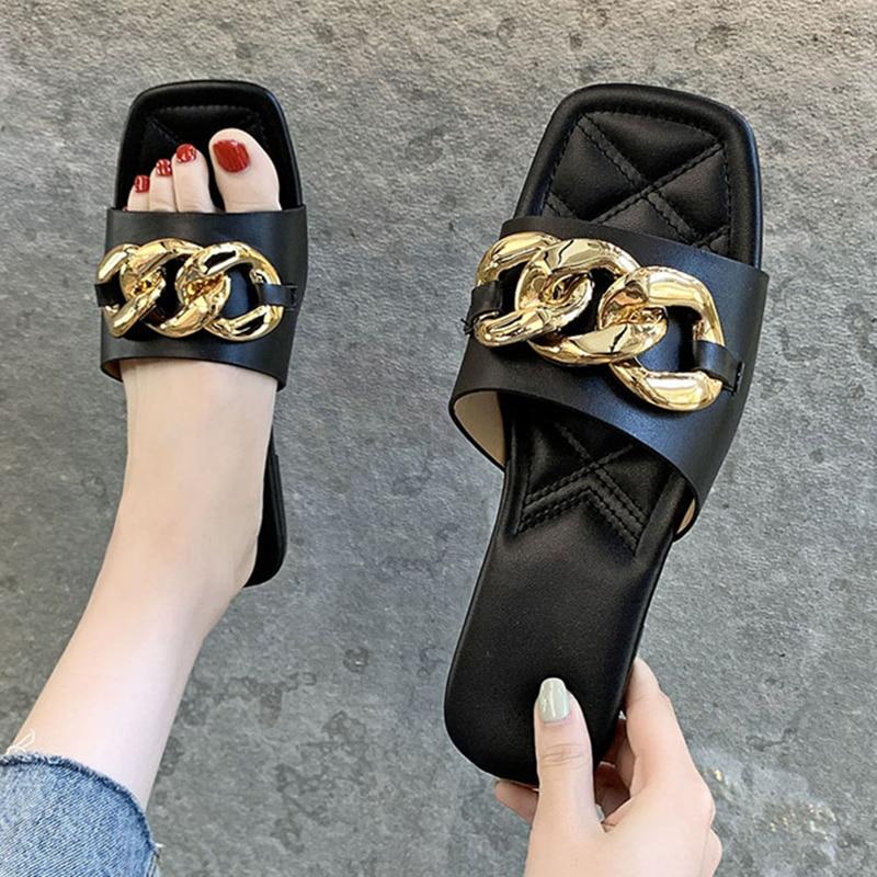 Outdoor women's slippers New summer 2021 schoolgirl Flat sandals Leisure seaside holiday Open toe beach shoes 42 yards
