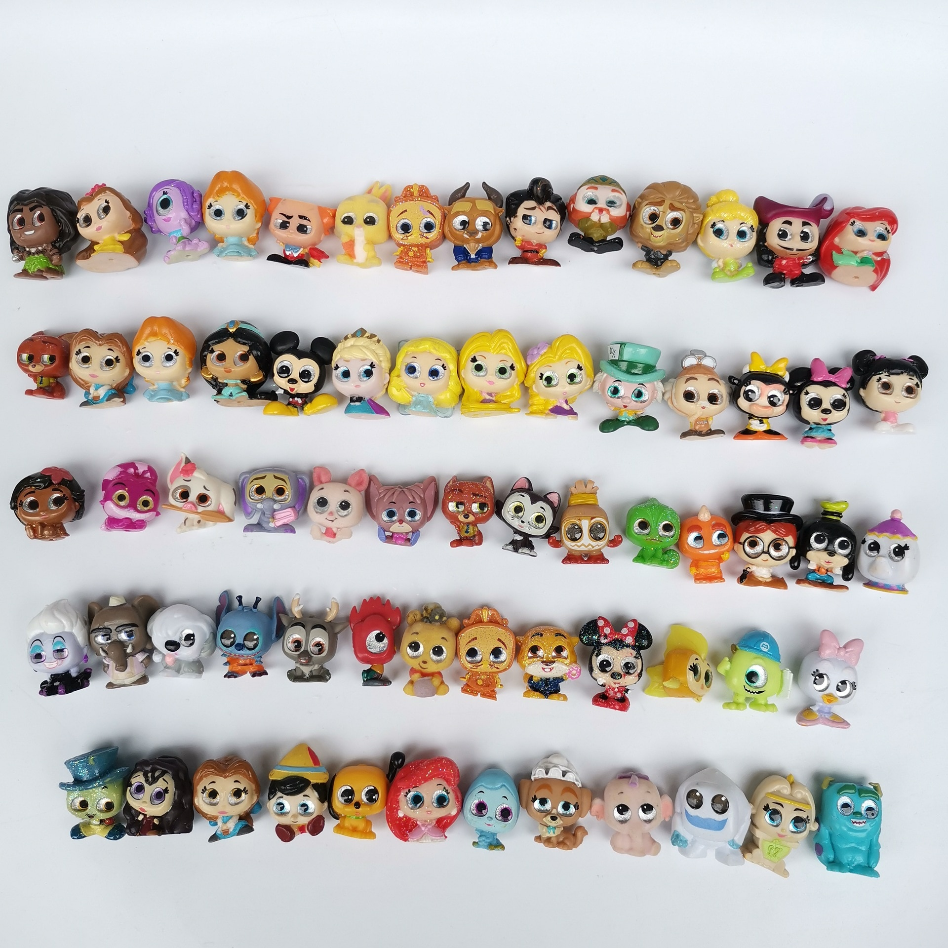 100pcs Different Disney Doorables Princess Dolls Series Cartoon Monsters Toy MINI SIZE Rare Anime Figurine Collection Model Toy
