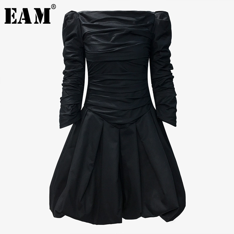 [EAM] Women Black Pleated Split Temperament Dress New Slash Neck Long Sleeve Loose Fit Fashion Tide Spring Autumn 2020 1T332