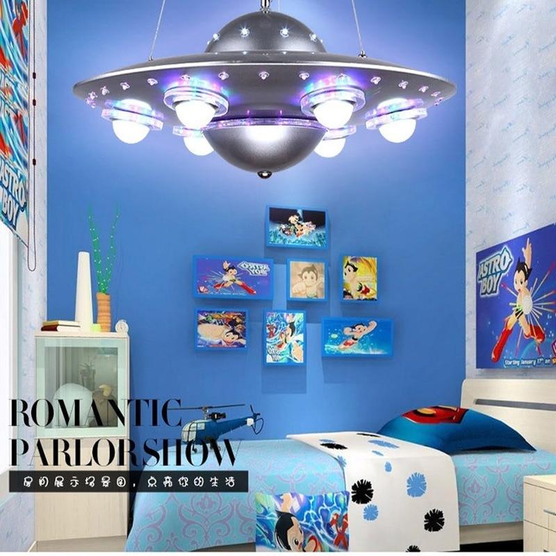 الأطفال مصباح السقف التصميم الإبداعي الكرتون الغريبة UFO تحلق الصحن ثريا للزينة الصبي غرفة نوم الأطفال