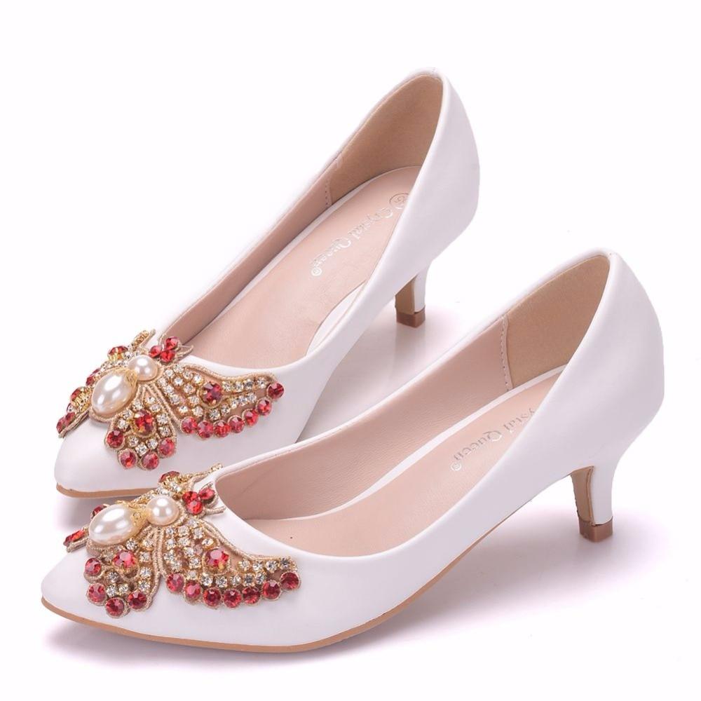 2019 primavera y verano nuevas mujeres tacones altos Punta Blanca boca baja mariposa cristal novia banquete zapatos grandes 5 cm