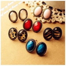 Creative Personality Design Retro Red Ear Nails Fashion Exaggeration Ladies Alloy Earrings Show Ladi