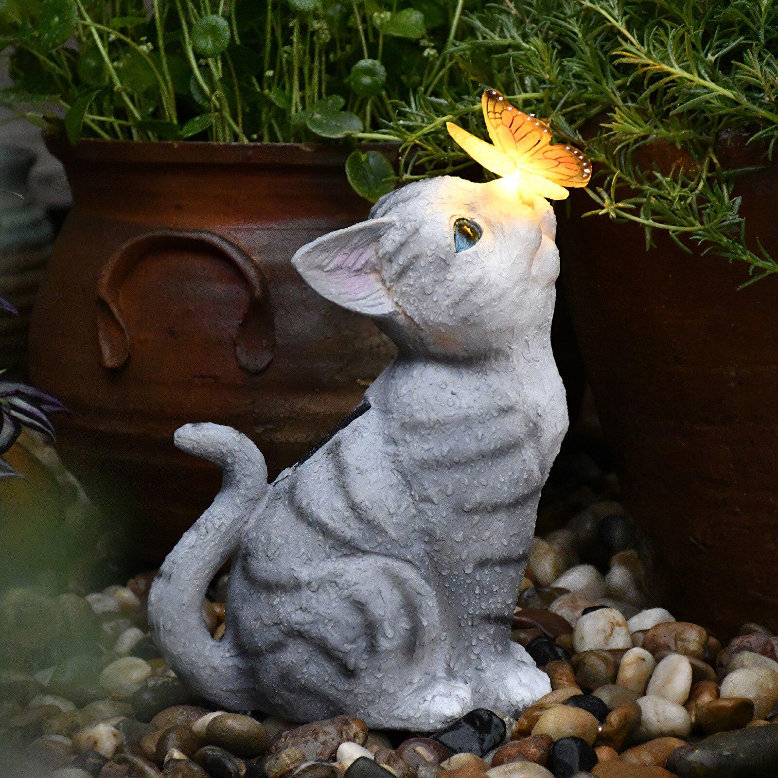 حديقة القط تمثال راتنج هريرة تمثال تعمل بالطاقة الشمسية مصغرة القط مع فراشة لساحة فناء الحديقة شرفة الديكور