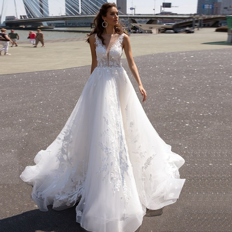 Eightree Romantic Lace Wedding Dresses Robe De Mairee V Neck Sleeveless Appliques A Line Tulle Bridal Gowns