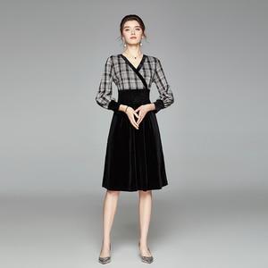Winter 2020 New Long Sleeve Ladies' Temperament V-Neck Elastic Waistband British Plaid Stitched Velvet Dress