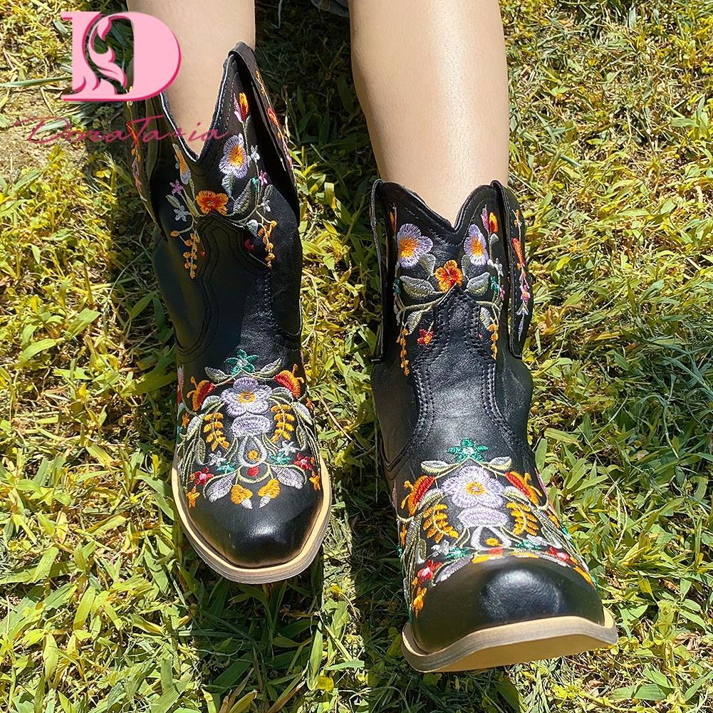 DoraTasia خمر الرجعية الإناث الأحذية الغربية النساء المطرزة حذاء بكعب سميك الإناث حذاء من الجلد 2021 الموضة الكلاسيكية السيدات الأحذية