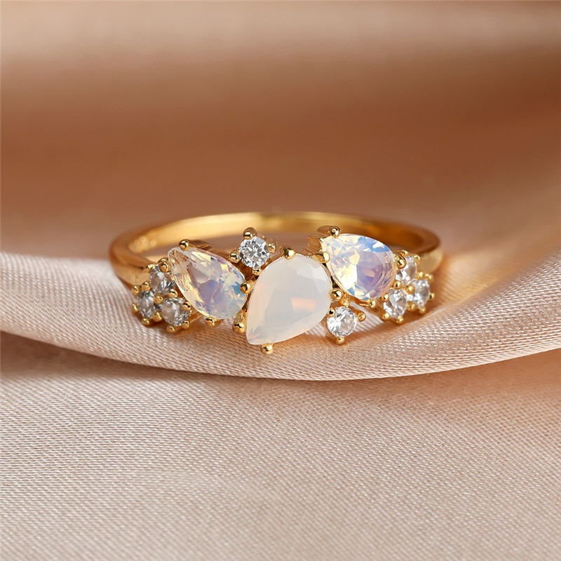 Boho Female White Crystal Moonstone Ring Cute Gold Color Wedding Rings For Women Luxury Small Oval Engagement