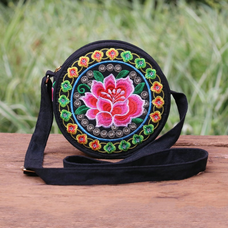 Women Messenger Bag China Ethnic Style Hand Embroidery Pretty Flowers Cute Round Shoulder Bag Casual Canvas Travel Bag for Girl
