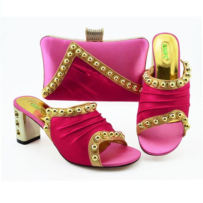 التصميم الإيطالي النيجيري موضة لامعة برشام نمط النساء الأحذية و مجموعة الحقائب مع النمذجة غاسل