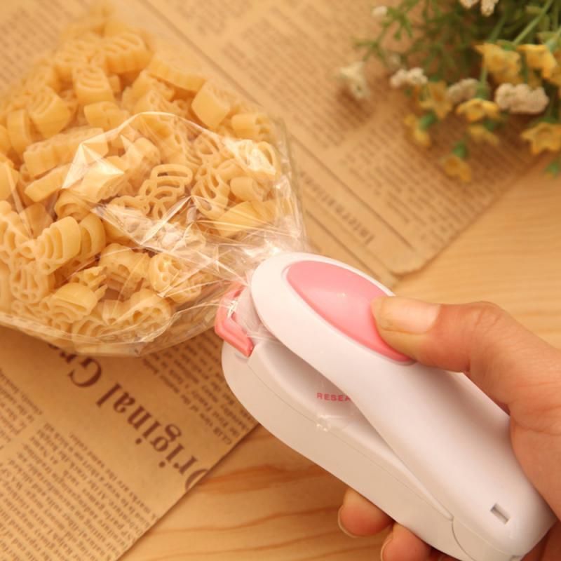 Portátil mini máquina de vedação do agregado familiar aferidor do vácuo de alimentos aferidor do calor capper alimentos saver sacos plástico mini gadget cor aleatória