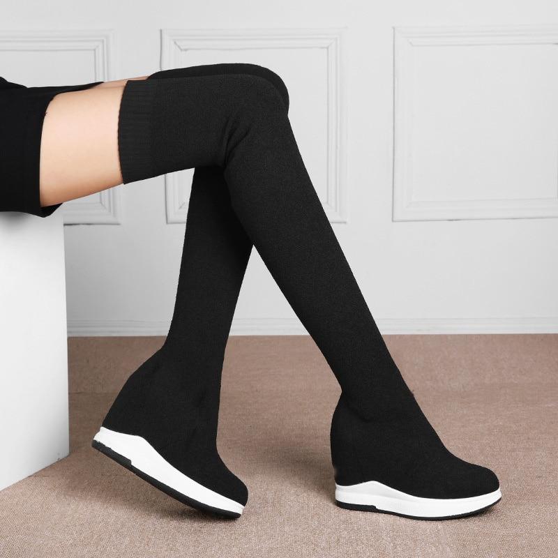الخريف والشتاء جلد أسود الداخلية زيادة الترفيه المنحدر كعب الأحذية الكورية موضة تنوعا الأحذية المرنة أحذية نسائية