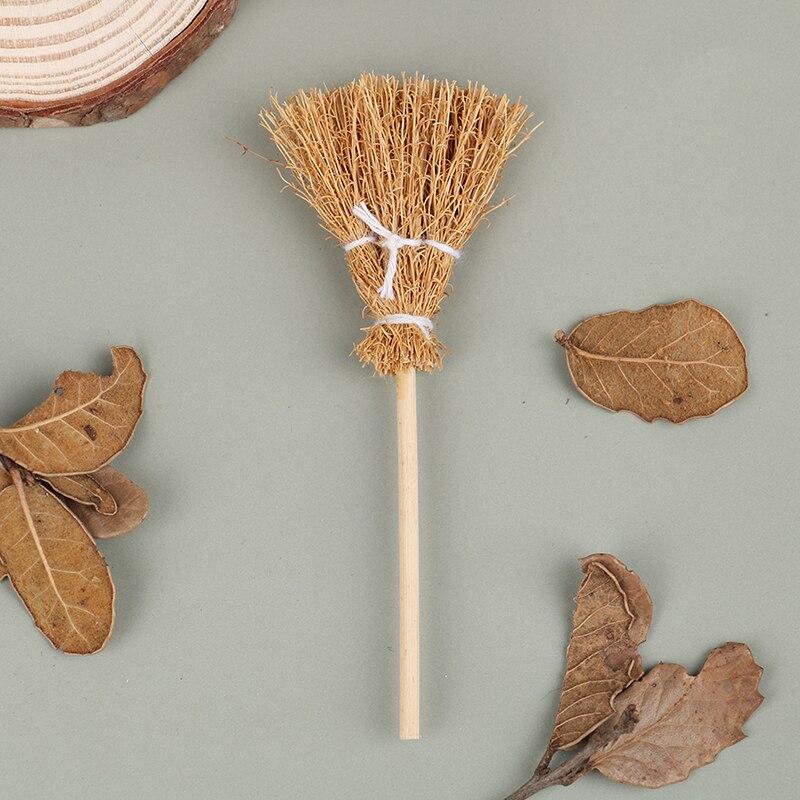 1:12 миниатюрная деревянная метла для кукольного домика, игрушечная мебель для ролевых игр, украшение для кукольного домика, игрушечные аксе...